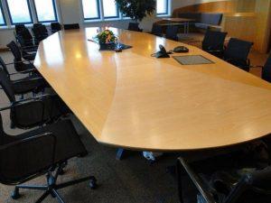 Gasunie vergadertafel voor het spuiten